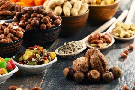 грецкие, кешью, арахис, фундук, миндаль, пекан, макадамия, фисташки